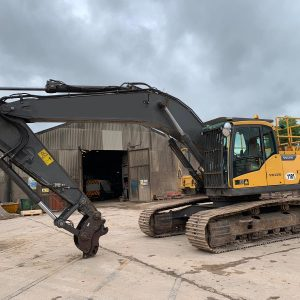 Used Track Excavators for Sale | Omnia Machinery